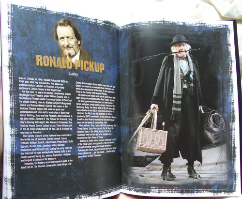 Ronald Pickup on Lucky. (Kuva teatterin julkaisemasta vihkosesta.)